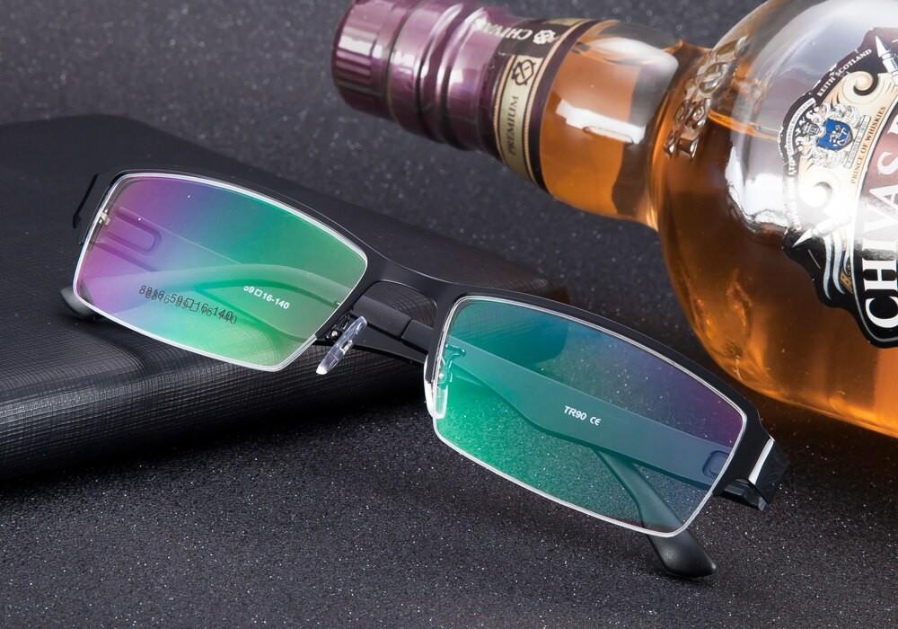 Компьютерные очки отличаются покрытием, дизайном, формой